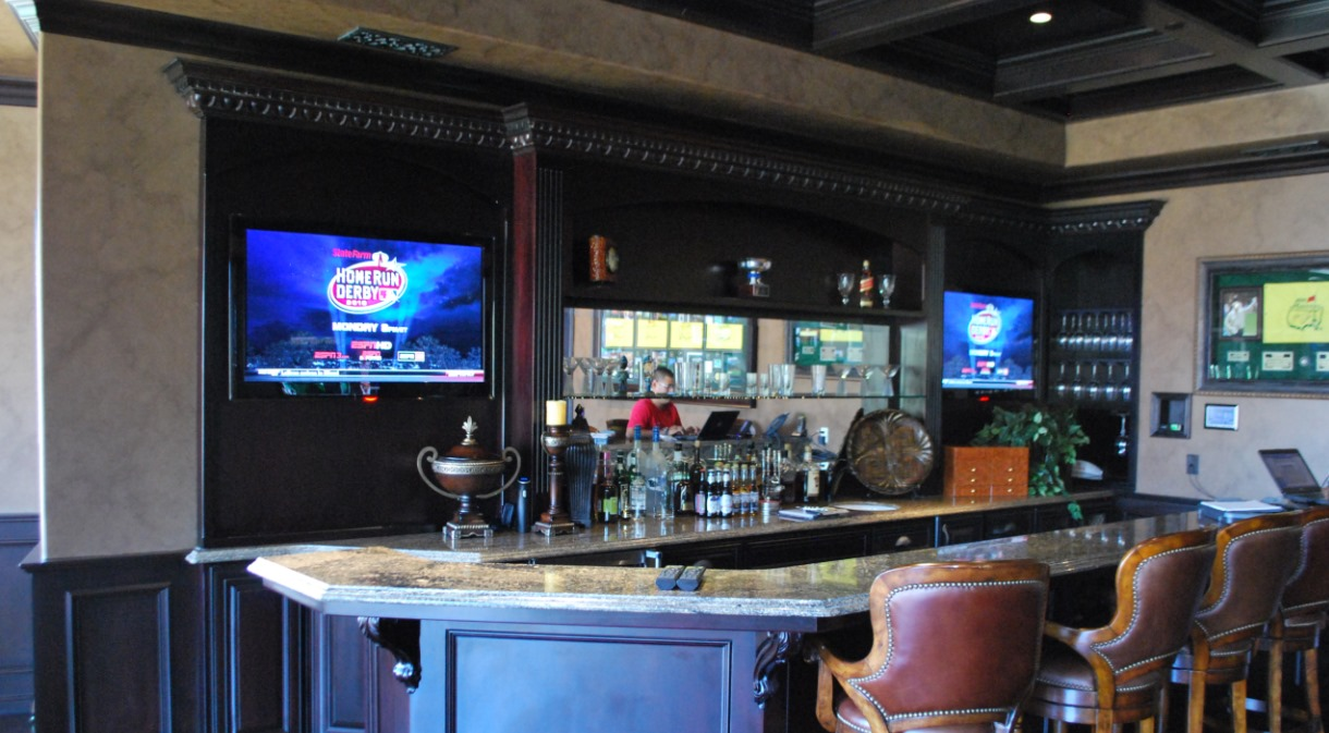 LaQuinta2010-indoor-bar-dual-flatscreen-lcd-tv-custom-inwall-ipod-doc-automated
