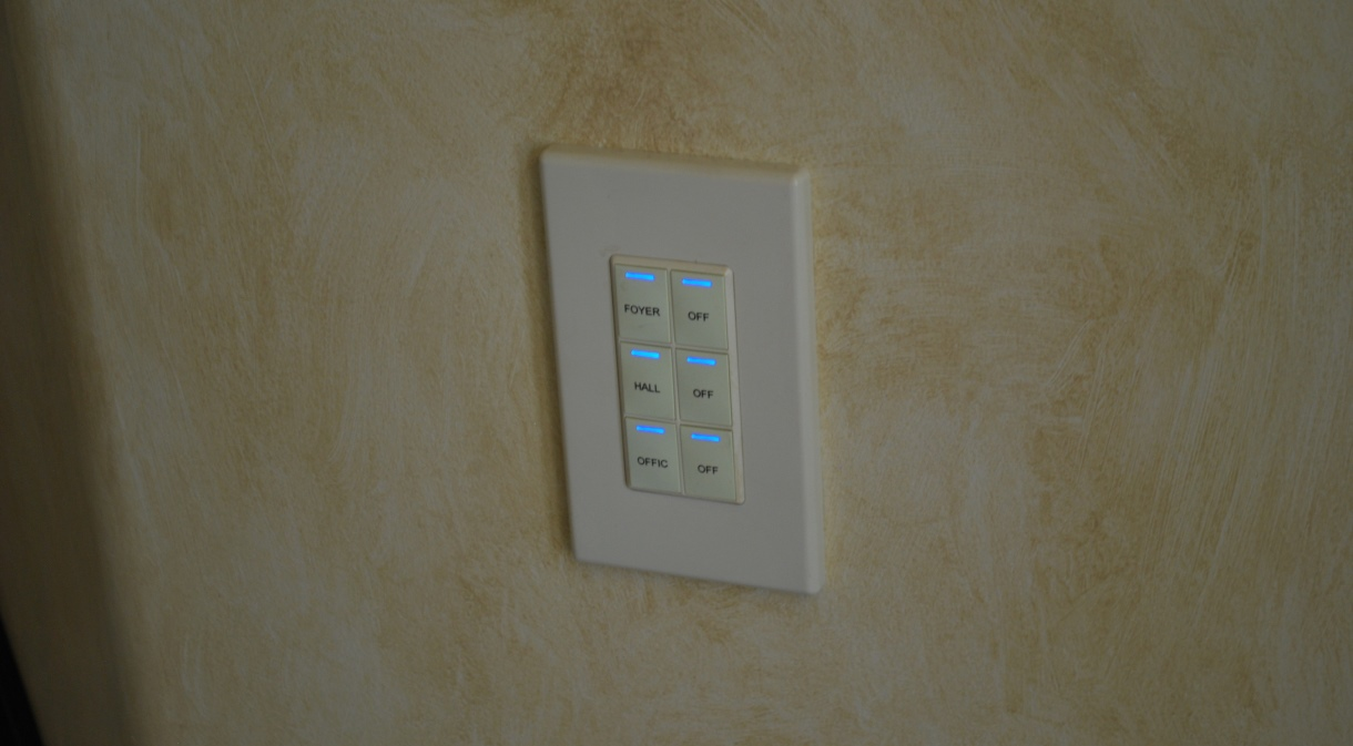 LaQuinta2010-indoor-lighting-control-panel-automated